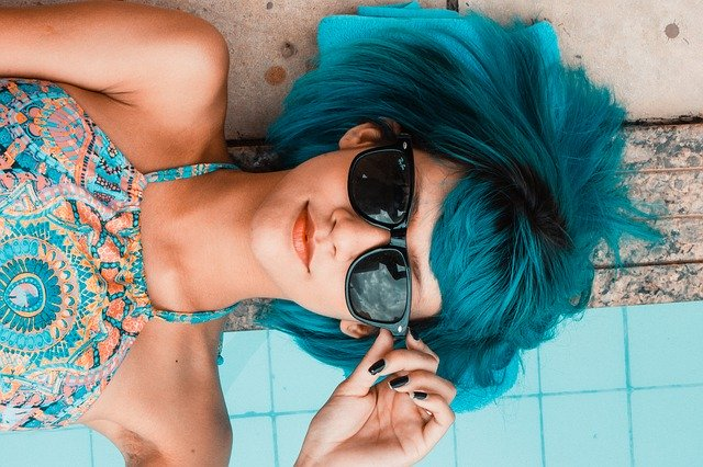 blue hair girl ready to be a cam model